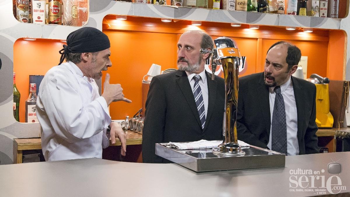Por otra parte, Antonio Recio, movido por su gran olfato empresarial, tratará de convencer a su amigo Enrique para montar juntos un restaurante