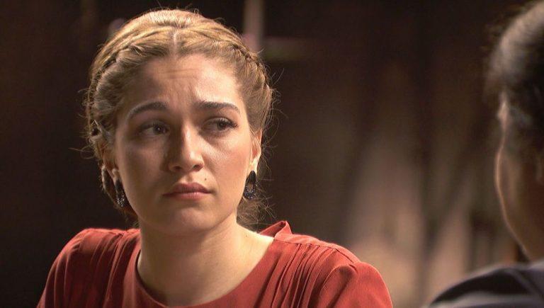 Julieta Uriarte (Claudia Galán)