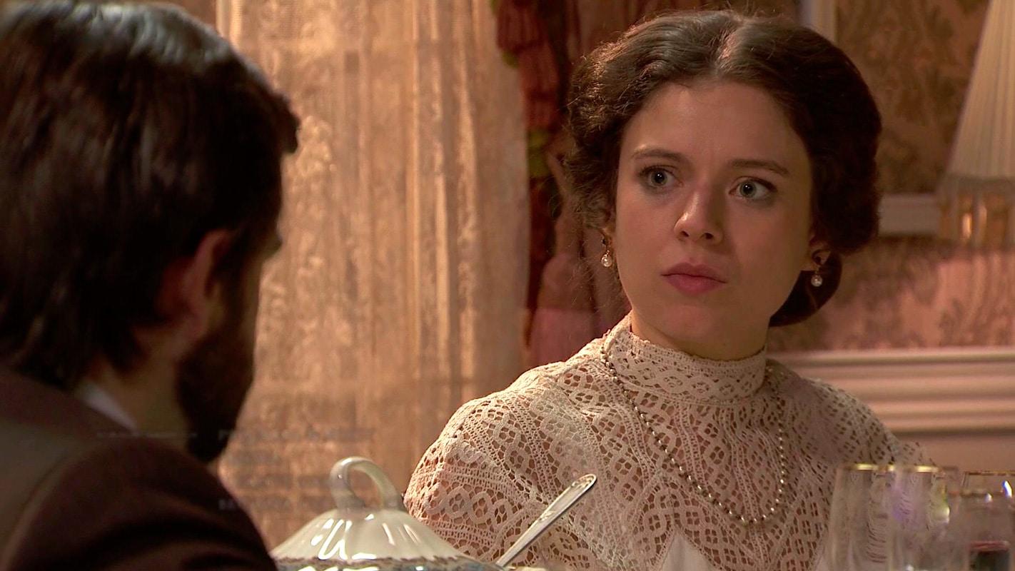 Genoveva, Clara Garrido, en Acacias 38